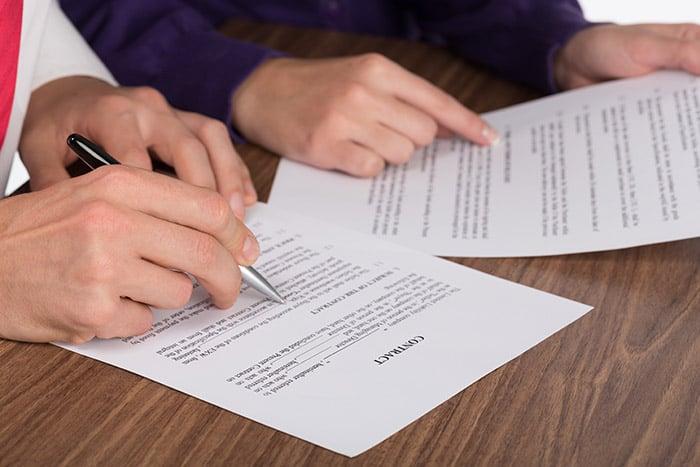 למה חובה לשכור עורך דין מקצועי לטיפול בחוזה מכירת דירה